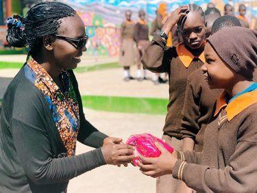ザンビアの女の子に、「生理の貧困」から脱けだすきっかけを。SNSで参加できるSDGs支援「#ハートサポート 2021」