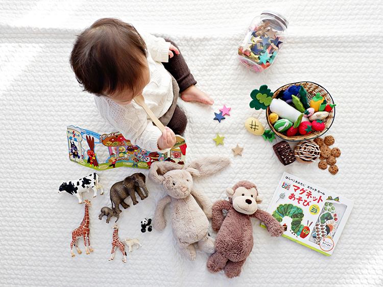 育児の味方になるアプリ5選。子育て記録や写真を家族で共有しよう