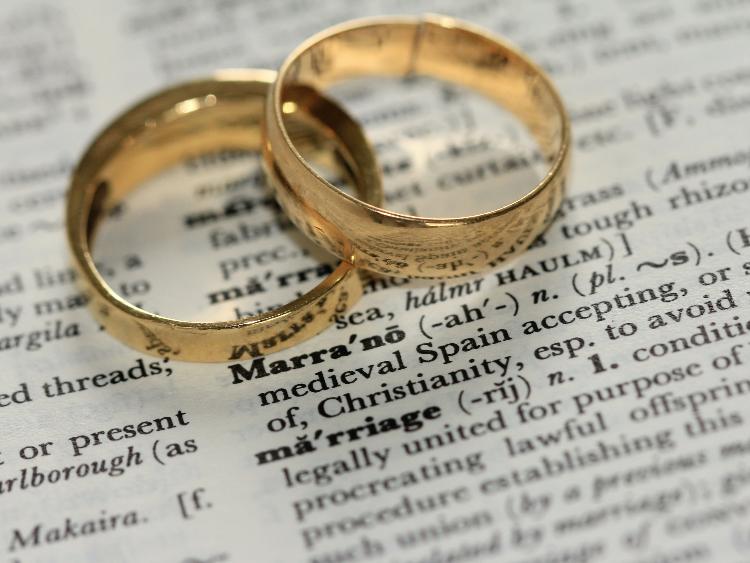 同性パートナーシップ制度とは?同性婚との違い、導入している地方自治体一覧